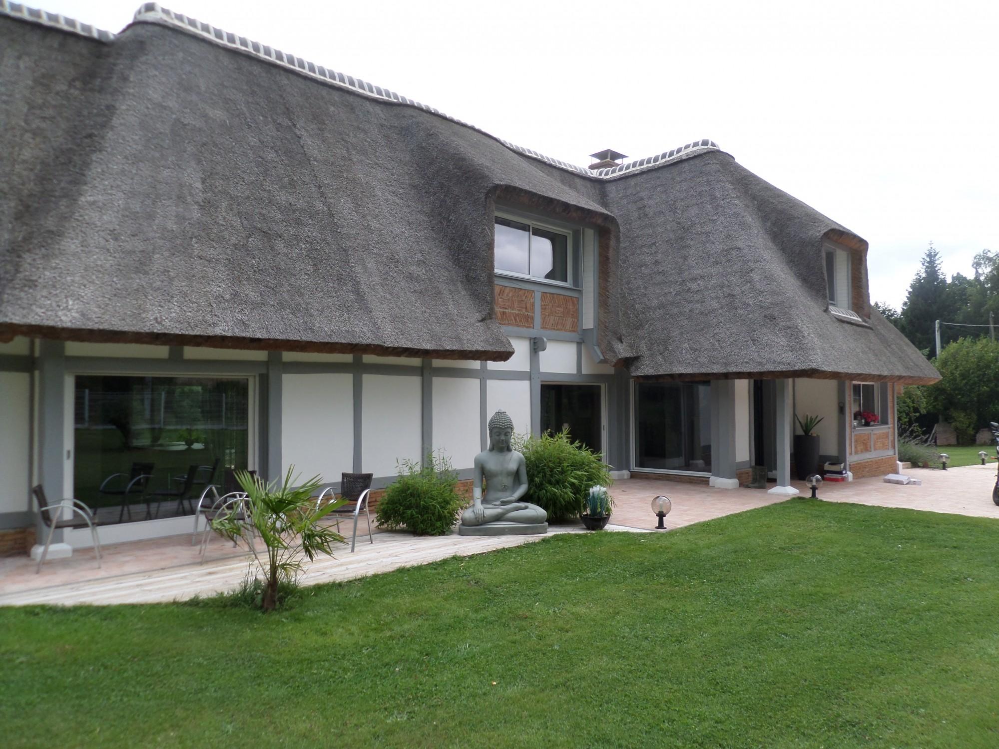 Maison normande de plain-pied avec mezzanine et terrain à ...
