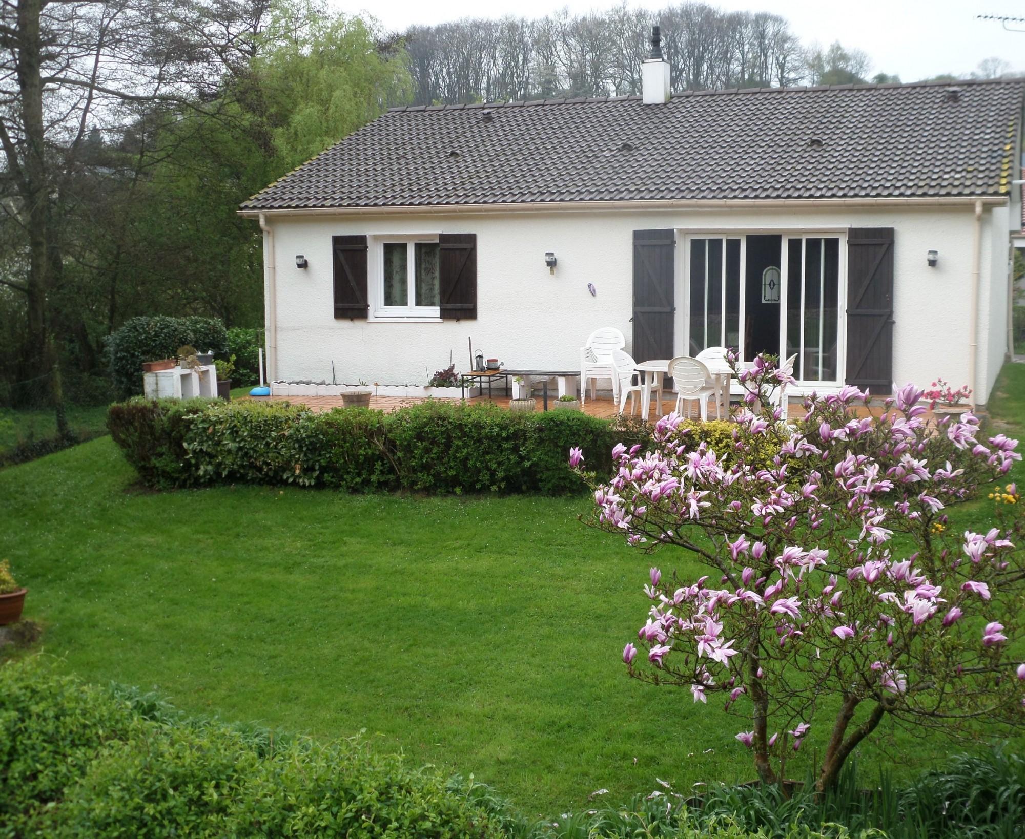 Maison normande de plain-pied avec mezzanine et terrain à vendre ...